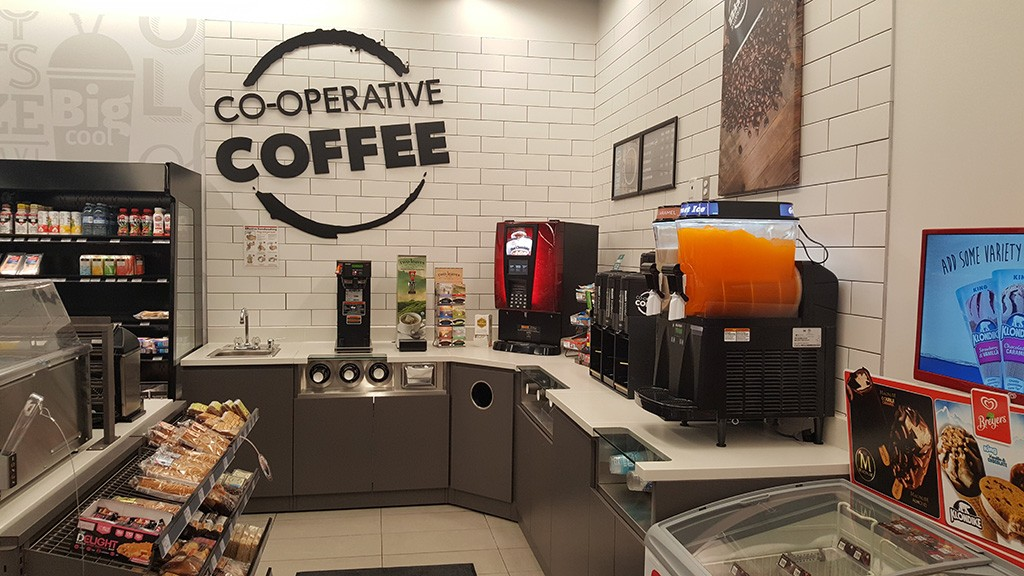 02. Food & Beverage Service Counter