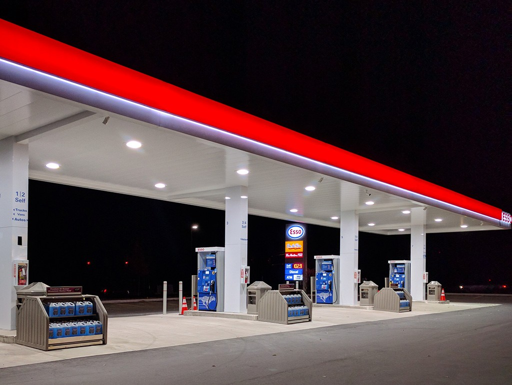04. Forecourt Merchandisers - see more on our forecourt webpage
