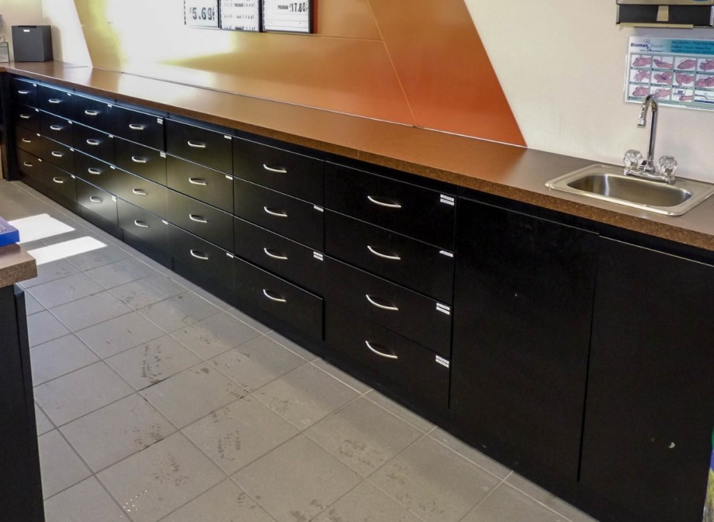 21. Back Counter Drawers